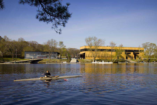 Size_550x415_community_rowing_boathouse_a160310_3