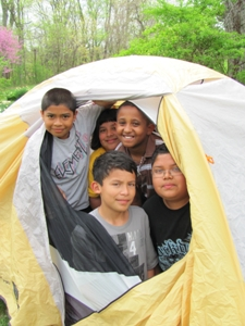 Size_550x415_kids%20in%20tent%20-%20campout