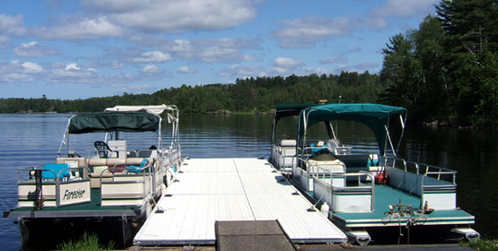 Size_550x415_pontoons_%26_new_dock