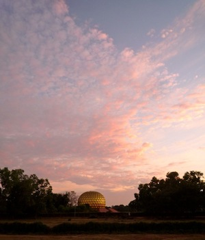 Size_550x415_matrimandir%20sunset