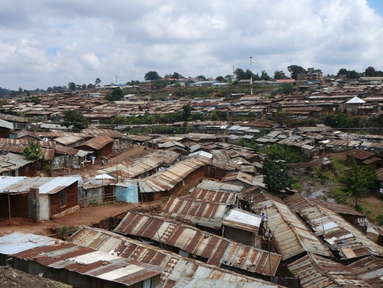 Size_550x415_looking%20out%20on%20kibera