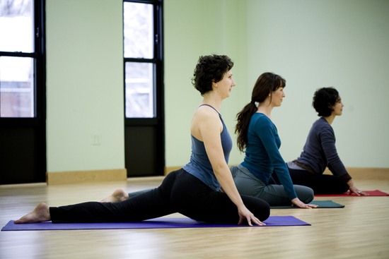 Size 550x415 yoga