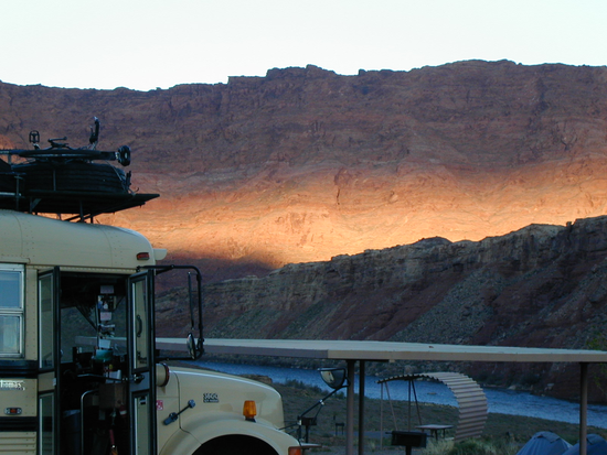 Size 550x415 bus.sunrise.sw