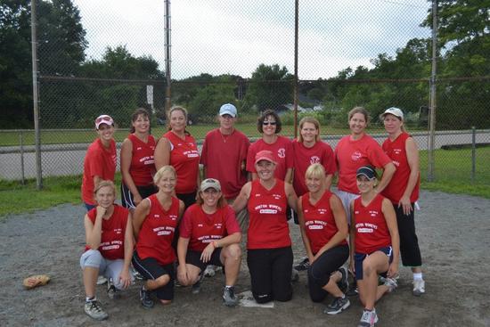 Size_550x415_softballteam