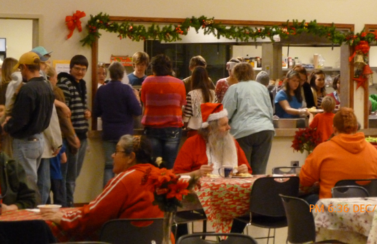 Size_550x415_p1000696_christmas_dinner_2012