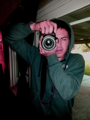 Size_550x415_christopher-cameraface