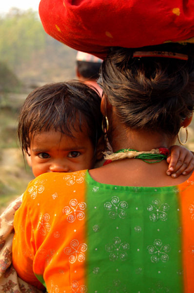 Size_550x415_398px-motherhood_in_achham