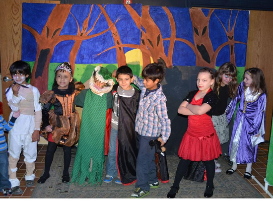 Size_550x415_childrens%20theater