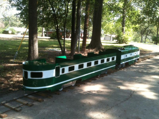 Size_550x415_green_train_5_276160552_std
