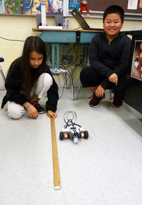 Size_550x415_2014-10-17_lego_robotics_6th_grade_%2810%29
