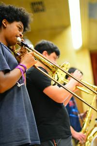 Size 550x415 trombones