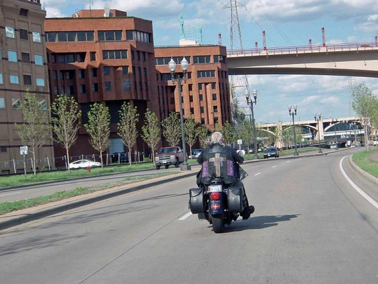 Size 550x415 ride in city 1 sm.jpg conv