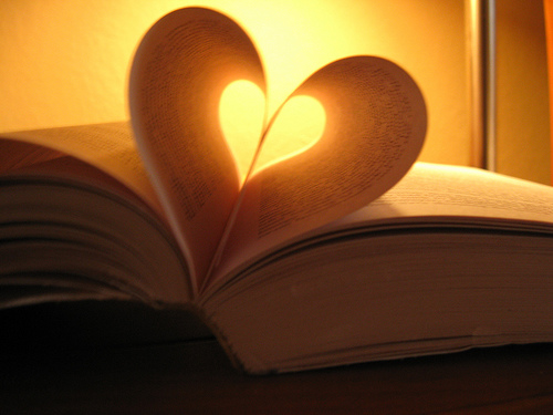 Size 550x415 book%20heart