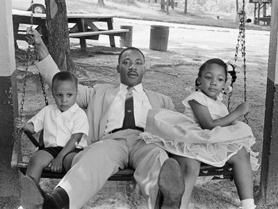 Size 550x415 fathersday gallery 002 martin luther kingjr children11