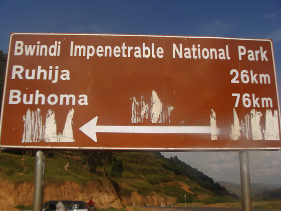Size 550x415 dsc09749%20%28signpost%20along%20kabale kisoro%20main%20road%20about%2030km%20from%20kabale%20town%29