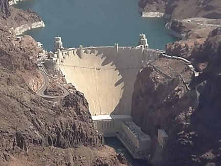 Size 550x415 hoover dam 11 lg