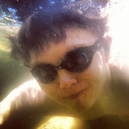 Size 550x415 underwatercade