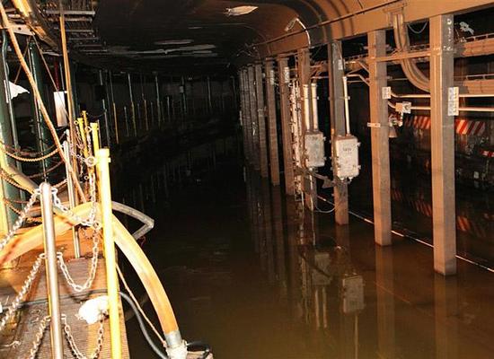 Size 550x415 subway%20flood