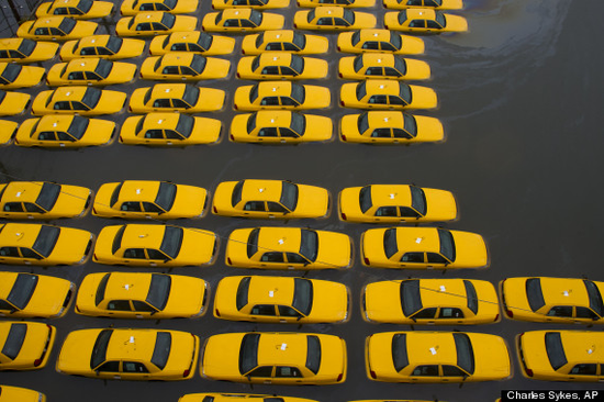 Size 550x415 o sandy aftermath taxi cabs submerged 570