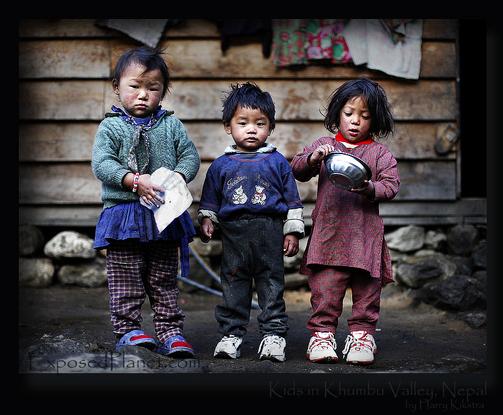 Size 550x415 3 nepali khumbu kids outsidehouse