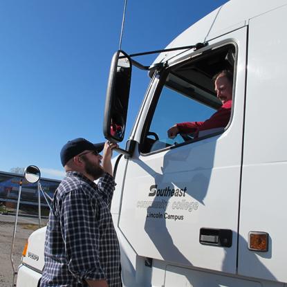 Size 550x415 truk