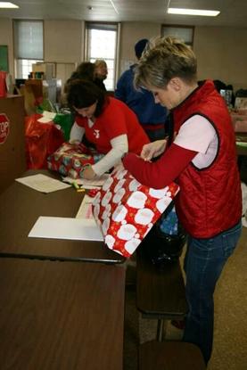 Size 550x415 cbfymca volunteers