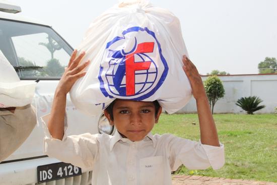 Size 550x415 pakistan flood relief 093014 %285%29